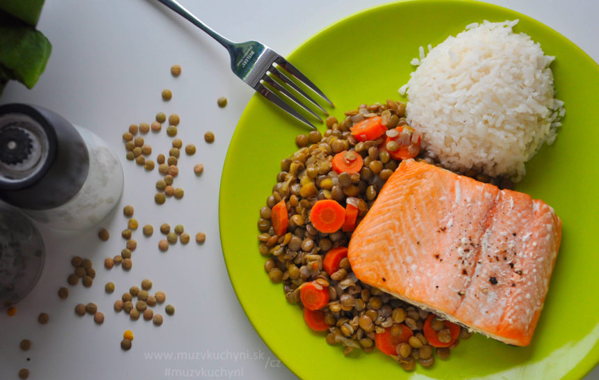 Losos, čočka, mrkev, rýže, oběd, večeře