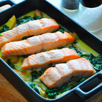 losos, zapečený, recept, brambory, zapečené, špenát, fitness recept, fitrecept, smetana, česnek