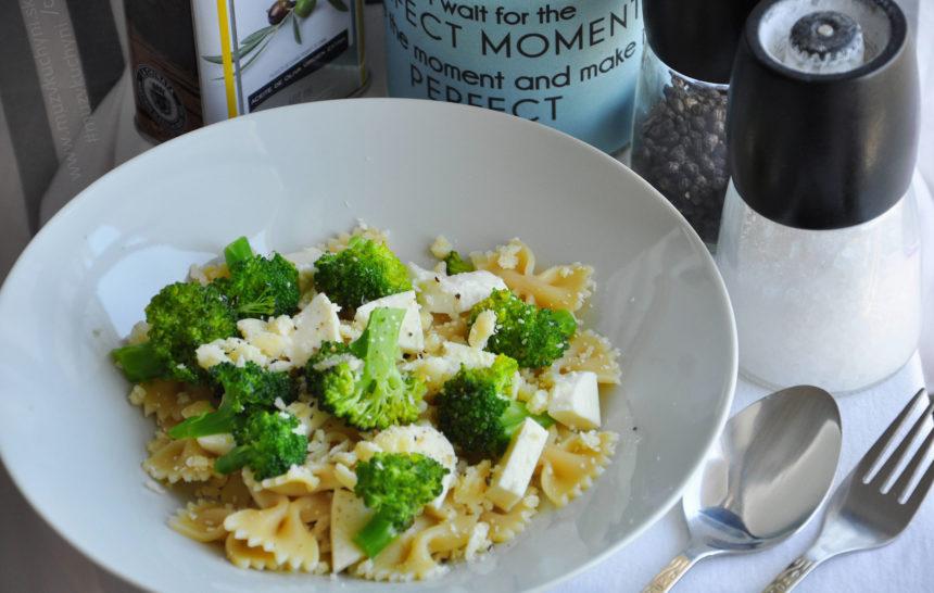 těstoviny, brokolice, mozzarella, parmezán, oběd, fitrecept, fitness recept, recept, oběd, jednoduchý, rychlý, zdravý