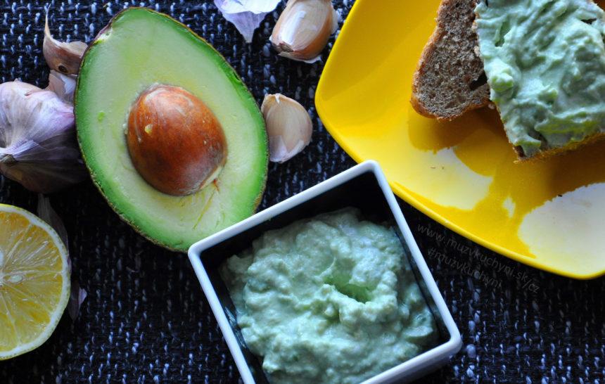 avokádo, pomazánka, česnek, Lučina, fitrecept, fitness recept, snídaně, lehká, jednoduchá, rychlá, zdravá