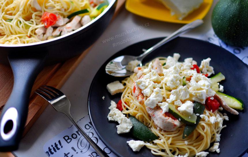 recept, večeře, špagety, cuketa, cherra rajčata, feta, balkánský sýr, fitness recept, fitrecept, jednoduchý, rychlý, zdravý, chutný, pro celou rodinu
