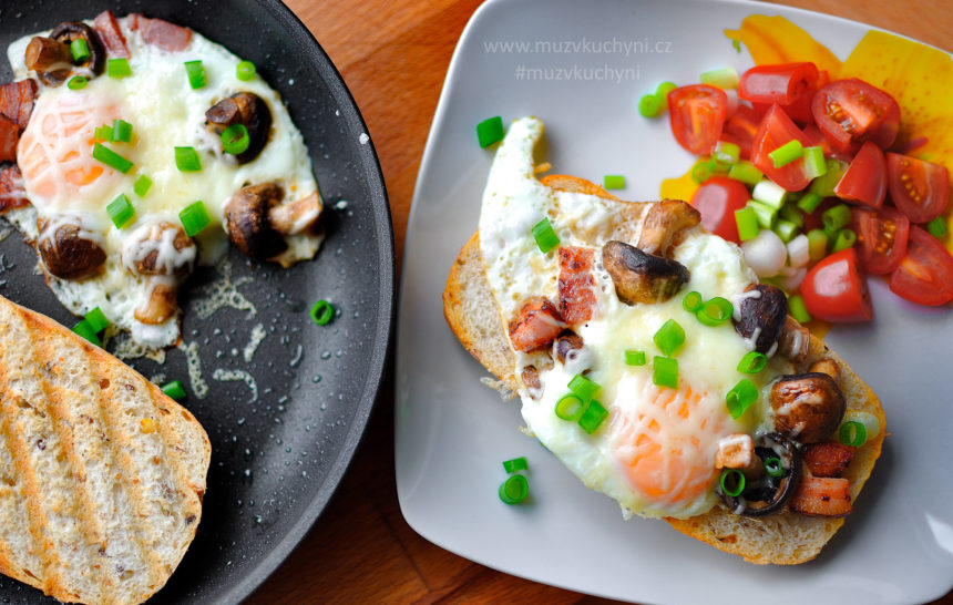 vajíčka, houby, slanina, recept, snídaně, co k snídani