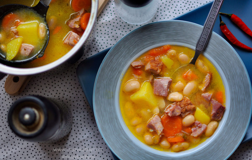 fazolová, polévka, recept, večeře, oběd, jednoduchá, rychlý, lehká, zdravá, chutná