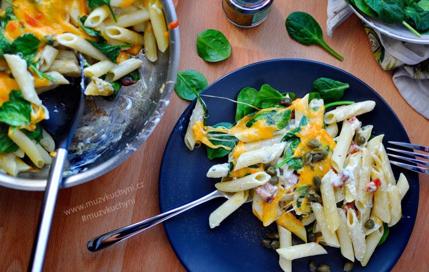 těstoviny, čedar, pancetta, niva, kapari, recept, špenát