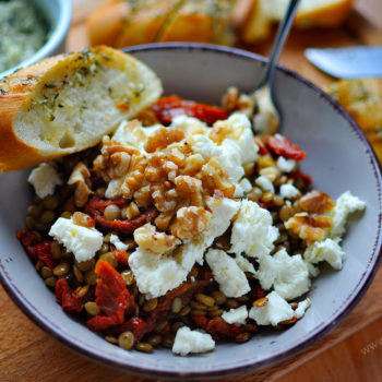 čočkový salát, recept, balkánský sýr, oběd, sušená rajčata